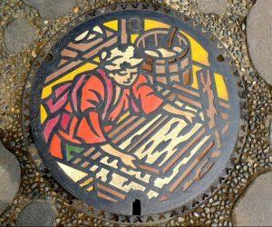 Arte en las alcantarillas de Japón